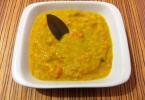 מרק טבעוני כתום עם עדשים, בטטות וגזרים - מתכונים טבעוניים של יעלי שוחט