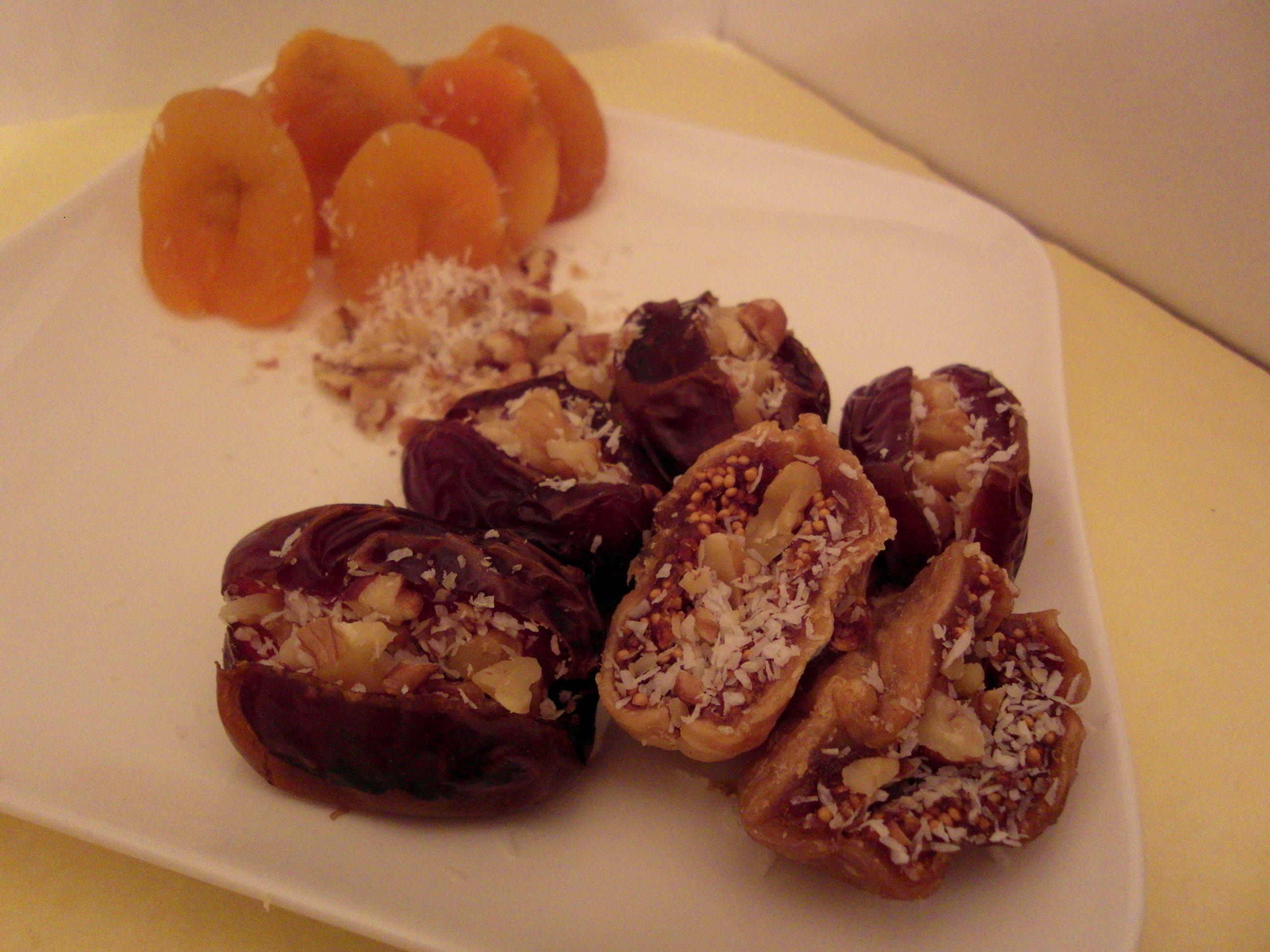 מימונה טבעונית פירות יבשים ממולאים כל טוב מתכונים טבעוניים של השוחטת הטבעונית יעלי שוחט