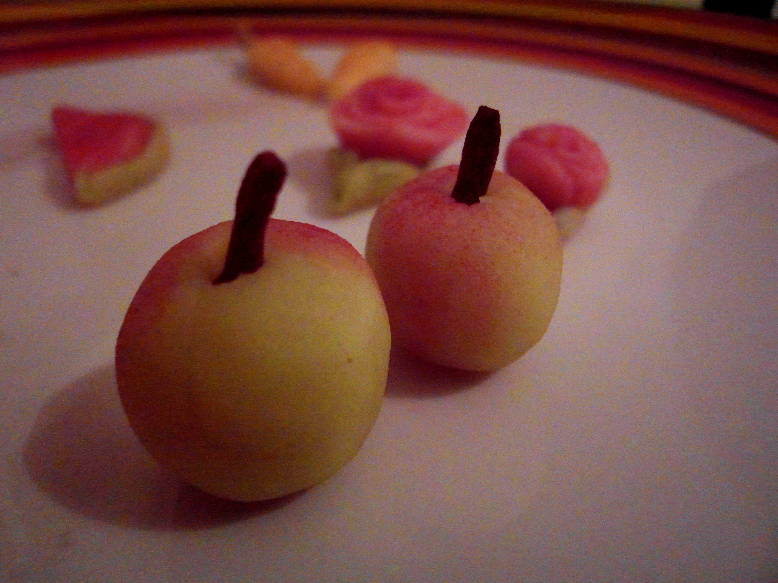 מה אוכלים טבעונים במימונה צבע מאכל טבעי טבעוני פירות מרציפן מתכון של השוחטת הטבעונית יעלי שוחט