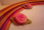 מימונה טבעונית צבע מאכל טבעי טבעוני פרחים מרציפן מתכון של השוחטת הטבעונית יעלי שוחט