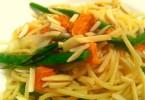 ספגטי אספרגוס בטטה מתכון טבעוני השוחטת הטבעונית יעלי שוחט