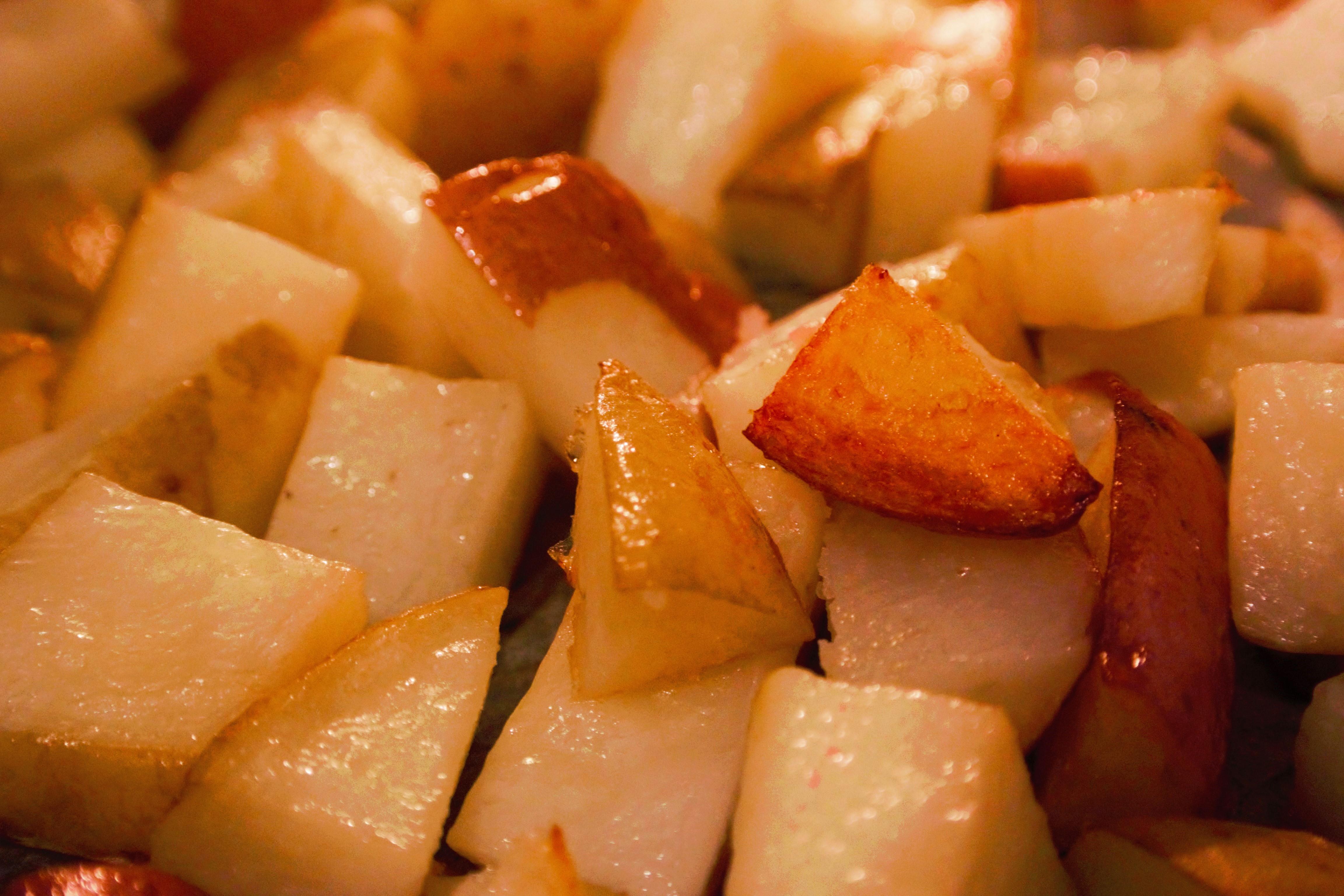הום פרייז בתנור בצ'ילי מתוק מתכון טבעוני לפסח מעולה לליל הסדר מתכונים טבעוניים כשרים לפסח - השוחטת הטבעונית - יעלי שוחט http://veganslaughterer.co.il