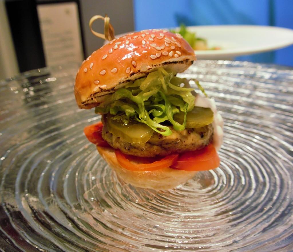 המבורגר פורטבלו טבעוני - אוליב ליף מתכונים טבעוניים השוחטת הטבעונית יעלי שוחט http://veganslaughterer.co.il